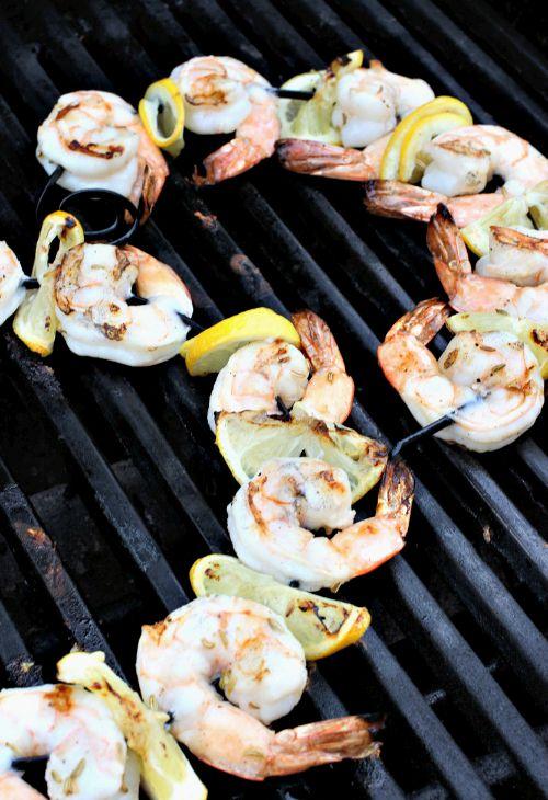 pesto-shrimp-kabobs-grill