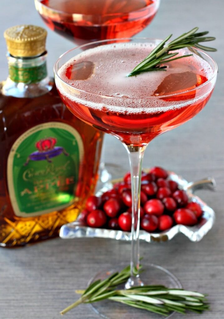 cranberry-whisky-sparkler-featured