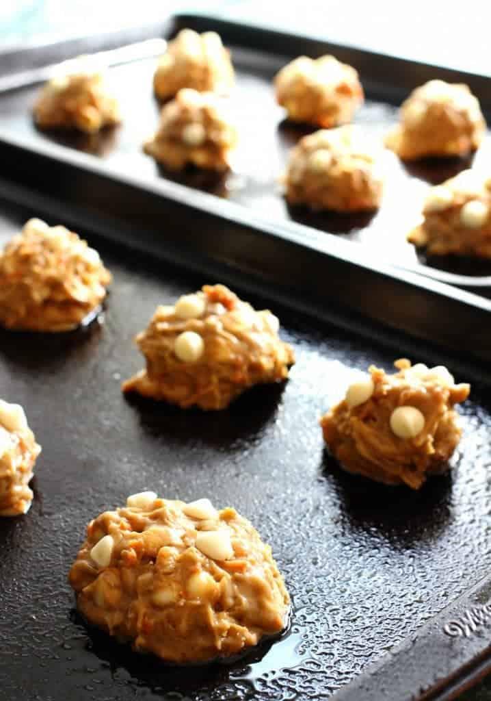 chocolate-chip-carrot-cake-cookies-sheet