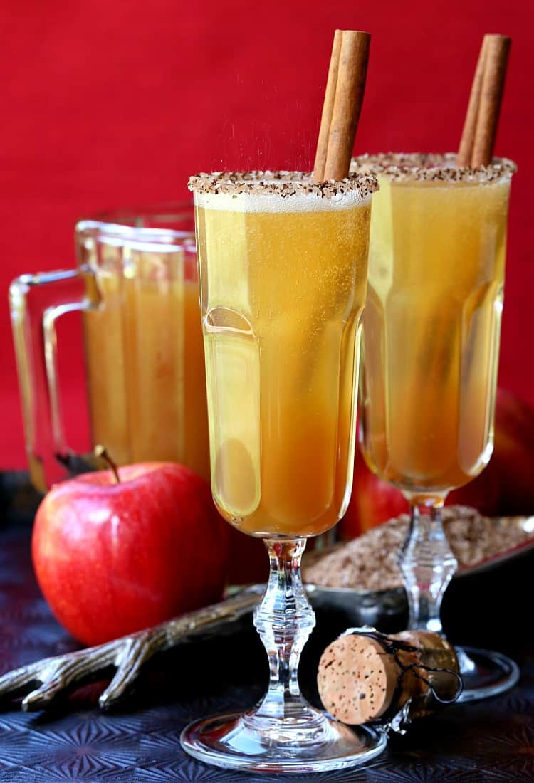 These Apple Cider Mimosas are a super tasty, Fall cocktail!