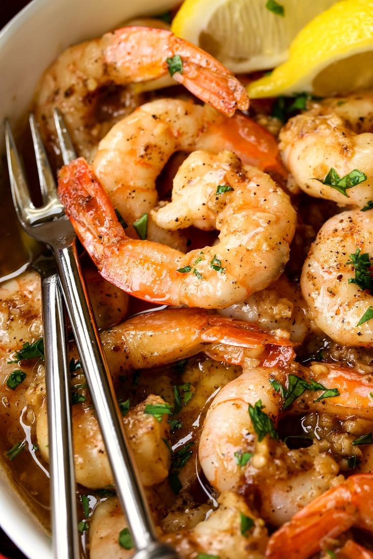 garlic butter shrimp recipe in a bowl